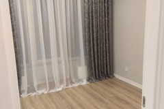 laying-laminate-flooring-in-the-apartment-6