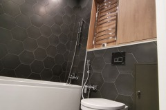 laying-tiles-in-the-toilet-11