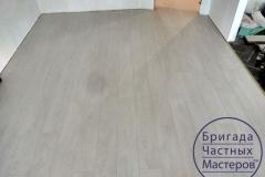 laying-laminate-flooring-on-Prodolny-2-4