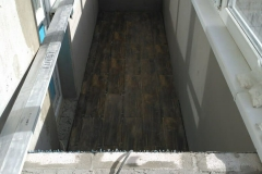 laying-tiles-on-the-balcony-2