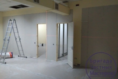 Installation-of-partitions-painting-3