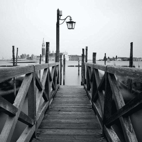 Черно-белые фотообои. Мост