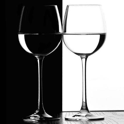 Черно-белые фотообои. Бакалы