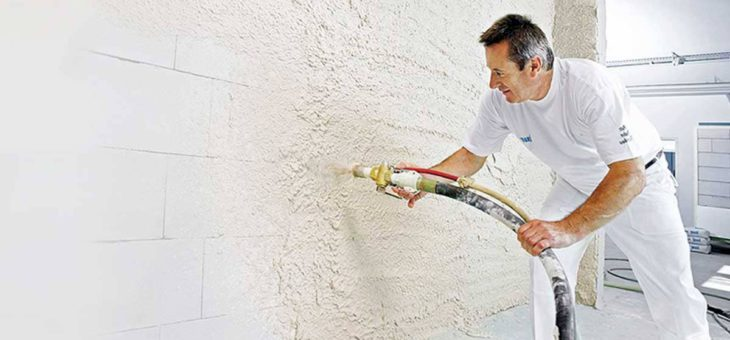 Машинная (механизированная) штукатурка стен и ручное нанесение. Сравнение